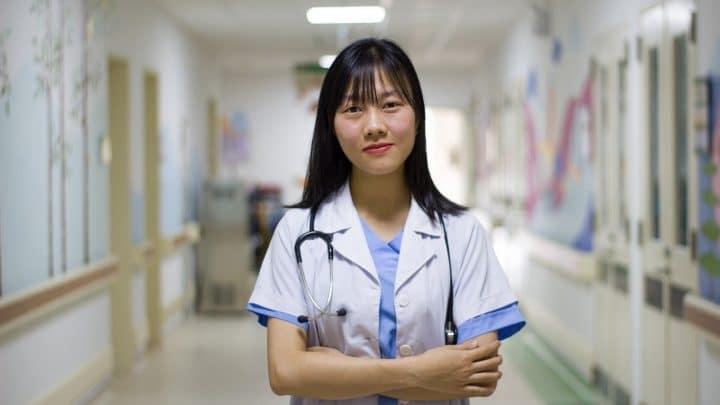 Comment trouver un médecin de garde rapidement durant les vacances ?